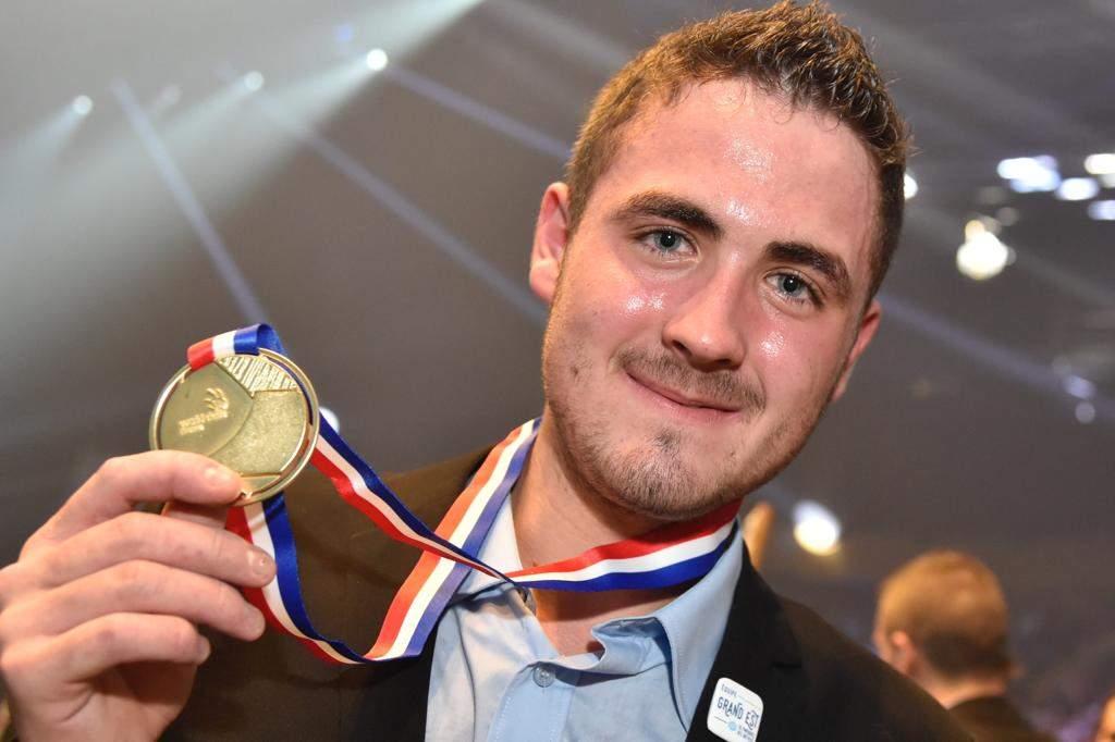 Kévin Muller, médaille d'or en technologie automobile et prix de l'Excellence EDF