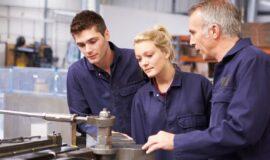 Répondre aux besoins des entreprises : 1293 demandeurs d'emploi formés sur-mesure en 2018