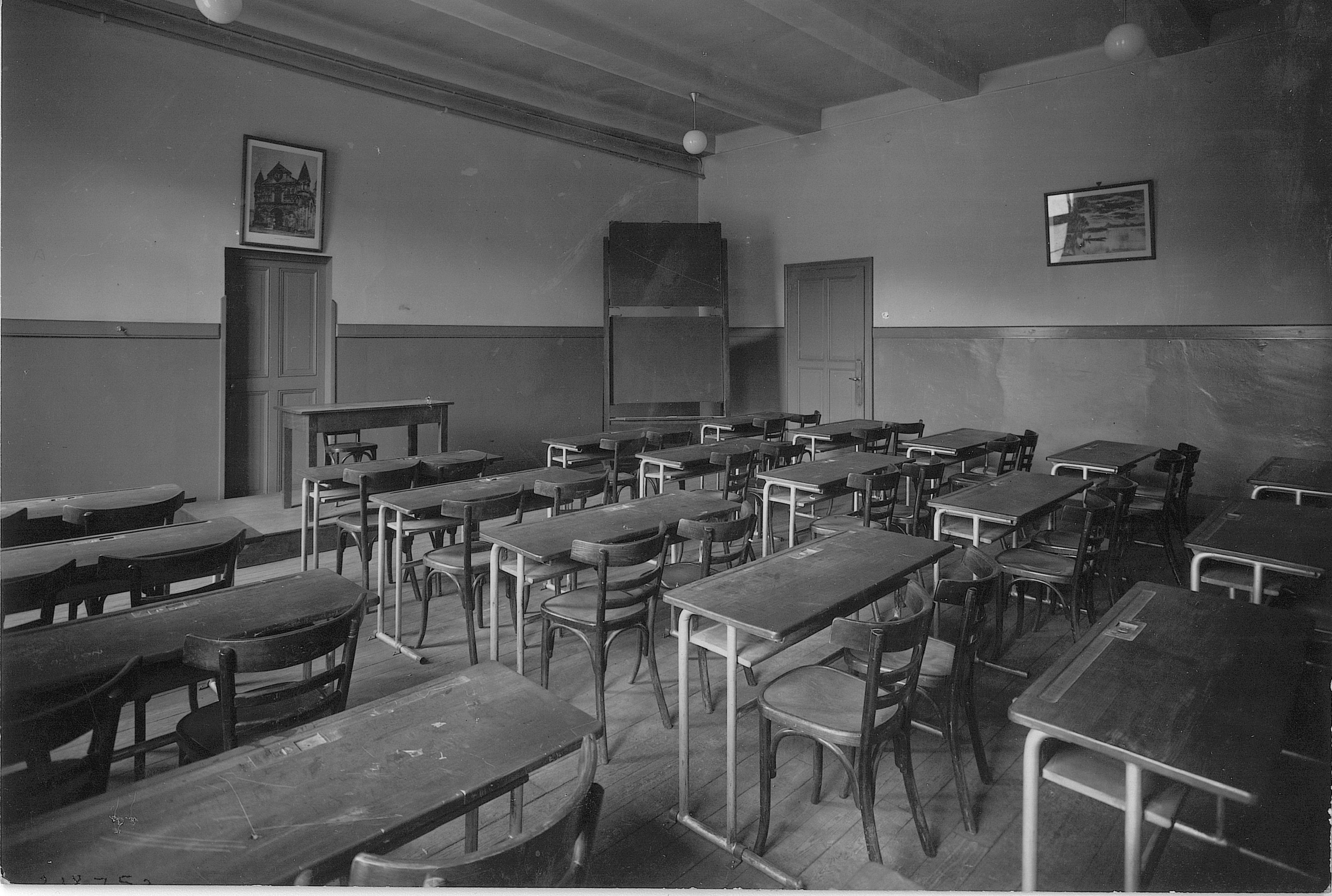 Inconnu - Sans titre – Vers 1940 Salle de classe