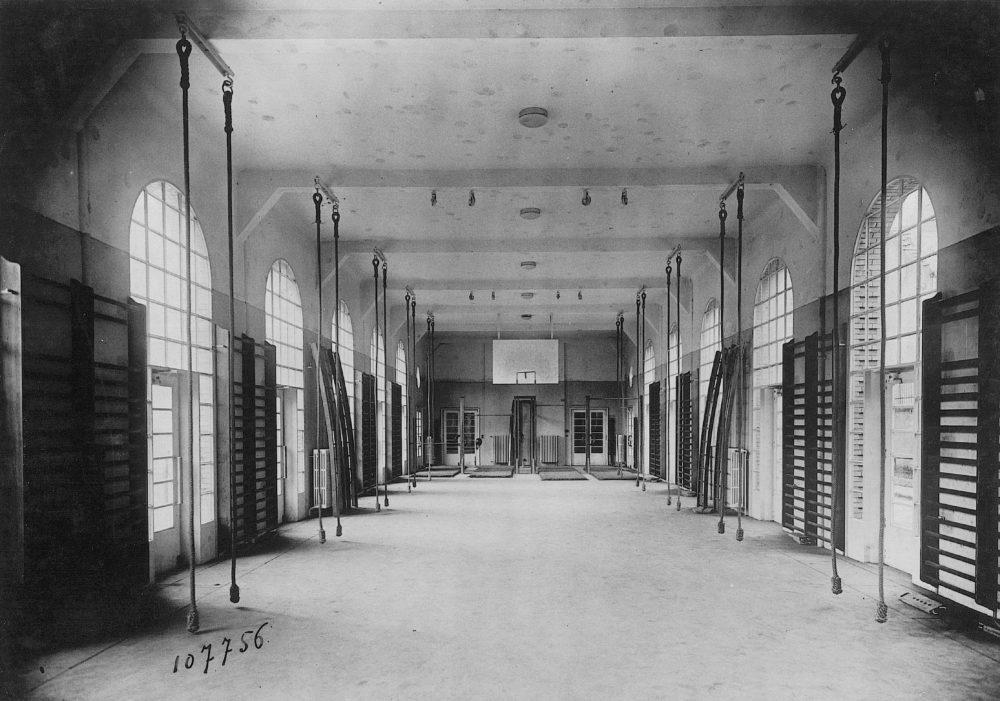 Inconnu - Sans titre – Vers 1940 ? Gymnase de l'internat